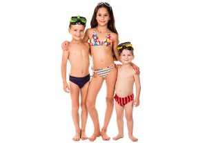 What is the best age for a child to start swimming lessons?