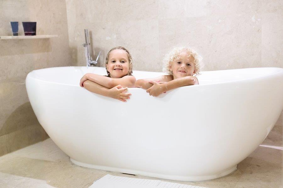 Alternating kids' baths and showers